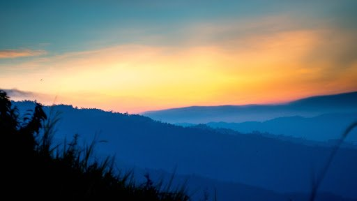Broga Hill / Gunung Tok Wan: Chasing the Sunrise and Entering into ...